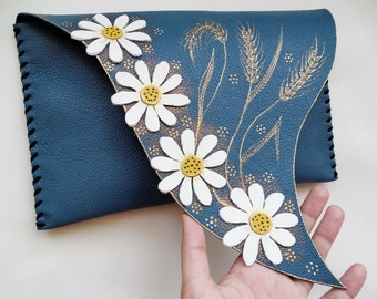 Painted daisies clutch Blue leather clutch Turquoise leather bag Handpainted bag Bridesmaid clutch Turquoise Evening Clutch Aqua Blue Clutch