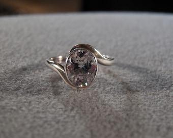 Vintage Sterling Silver & Genuine White Topaz Ring, A Big Bold Vibrant Design in Size 9!~~ **RL
