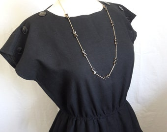 70's Vintage Leslie Fay Petites Black Short Sleeve Dress Women's Clothing