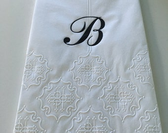 Hand paper towel with monogram (12 towels) - Disposable Towels - Monogram Towel - White Towel