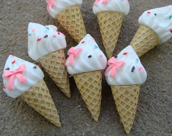 2 Ice Cream Resins with Pink Bow hair Bow Resins