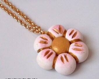 White Flower necklace Thun