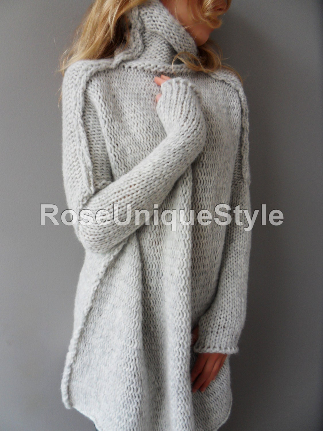 Oversized Handmade Chunky knit woman sweater.