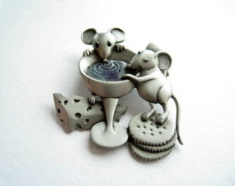 Pin mouse vintage 80