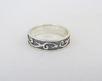 Vintage Sterling Silver Carved Band Ring Size 9