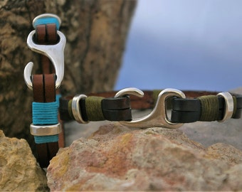 Handcrafted leather bracelet, with Hook clasp