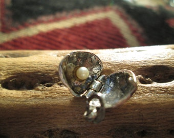 Vintage Beau Clam Charm with Original Jump Ring