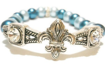 Fleur De Lis Bracelet / Fleur De Lis Jewelry / Rhinestone Fleur De Lis Bracelet / Fleur De Lis Charm / Pearl Bracelet / Teal and Light Blue