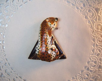 Cheetah Magnet (591) - Cheetah Refrigerator Magnet - African magnet - African jewelry - repurposed jewelry