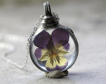 Pansy Necklace Botanical Jewelry Soldered Glass Pendant Pressed Flower Terrarium Purple Flower Spring Natural Woodland Jewelry Rustic