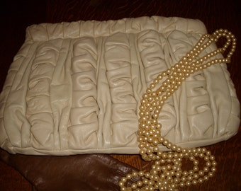 Vintage Brio gathered cream leather Clutch bag, handbag, suede inside excellent condition