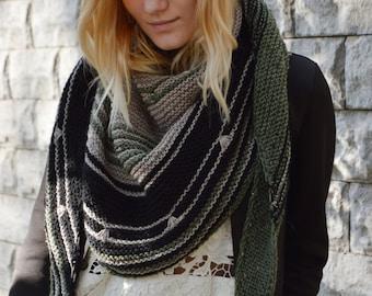redwood knitting shawl-grey knit shawl-wool knit shawl-boho kerchief-baktus knit-handmade shawl-triangular shawl-warp