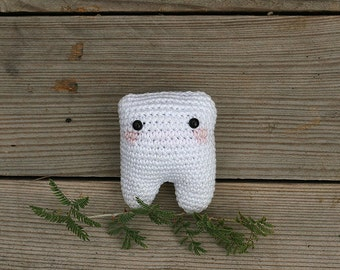 My little tooth, Crochet amigurumi tooth toy