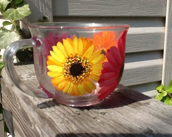 Hand painted Gerber Daisy Clear mug.....13.95.....single listingj