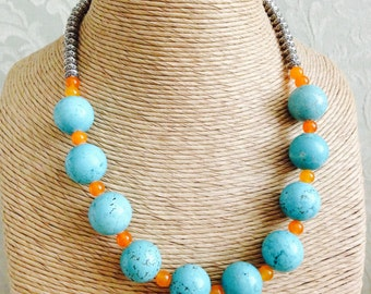 Beautiful Women's Faux Turquoise and Silver Necklace