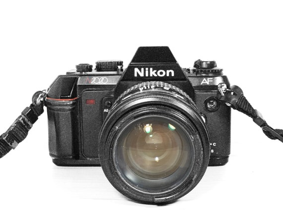 Nikon N2020 (F-501) - Vintage camera professional - Film photography
