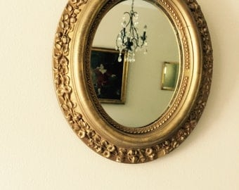Antique// Golden// Wooden// Plaster GESSO// Oval Shaped Mirror// Gorgeous Piece!