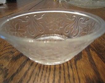 Vintage Indiana Glass Clear Sandwich Glass Bowl Flower & Leaf Design-Small
