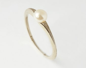 Silver pearl ring ,white pearl ring in 925 silver  , unique promise ring or engagement ring