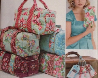 Simplicity Pattern 2274 Clutch, Overnight Bag, and Luggage Tag