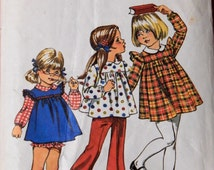 Simplicity 5819 Vintage little girls' dress or tunic and panties pattern Size 3