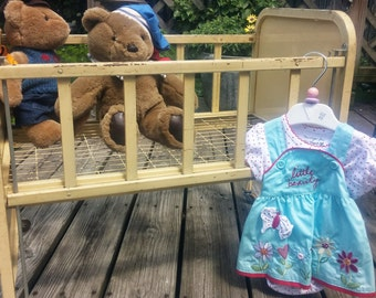Amsco 1950s Metal Doll-E-Crib
