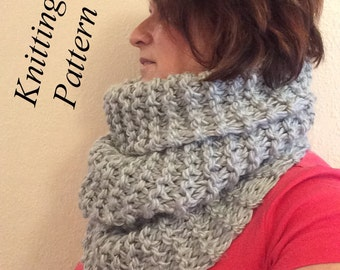 PATTERN :  Knitted  Roundabout Cowl
