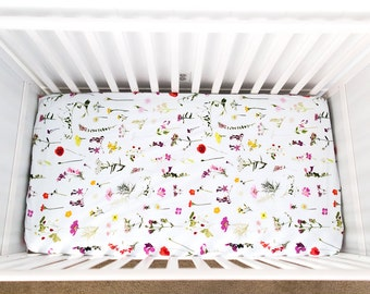 Wildflower fitted crib sheet