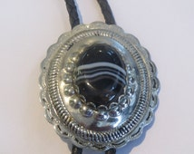Costume Handcrafted Black  White Striped  Stone in Silver Tone Setting Bolo Tie  IC Lot 13