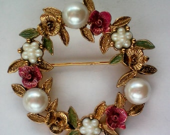 Spring Flowers Wreath Pin / Brooch - 4570