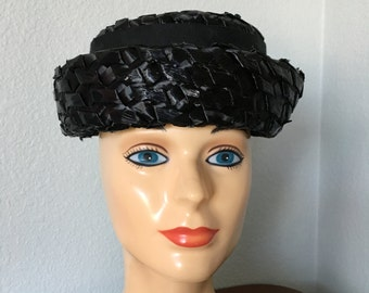 Vintage Raffia black hat, 50s party hat, union made with a bow