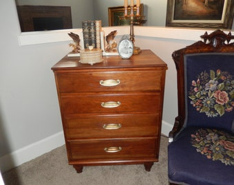 NEW YORK KLING Chest Of Drawers
