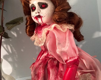 """Creepy Horror Doll """"Blood-Stained Vera"""""""
