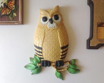 Owl Wall Plaque. Retro Owl. 1970s Owl Wall Decor. Kitschy Owl. Retro Kitsch. Retro Wall Art. Vintage Plastic Wall Art. Homco.