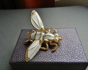 Vintage Trembler Brooch, vintage trembler pin, trembler fly, trembler bee, enamel trember, pearl trembler, gold pearl trembler