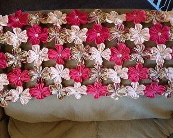 Bed Runner. Floral.