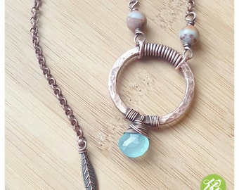 Hammered copper wire circle necklace/aqua chalcedony necklace wire/wire wrapped hammered circle/jasper jewelry wire/short wire necklace aqua