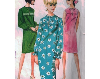 McCalls Sewing Pattern 7847 Misses' Dress  - estimated 1960's   Size:  Small 9-10-11  Used