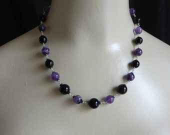 Vintage Style Necklace of Amethyst and Onyx