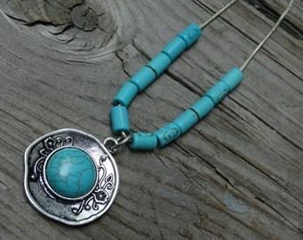 Turquoise Necklace, Boho Necklace, Turquoise Beads, Silver Chain, Boho Jewelry, Turquoise Jewelry, Beaded Necklace, Turquoise Pendant
