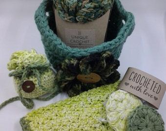 Crochet Spa Basket, Flower basket, 1 loofah, 2 face scrubbies, 1 face towel, Sachet with dried lavender