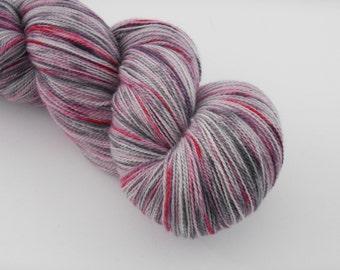 Ingénue Lace,pschitt gris rose, merino silk , 100g