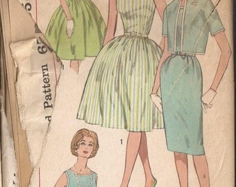 Simplicity 3929 Junior Dress Pattern, Size 13, Bust 33 Vintage 1950's