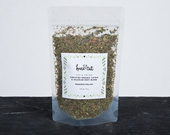 Organic Valerian Root and Catnip Blend, Dried Cut & Sifted Valerian and Catnip, Cat Herbs, Pet Gift, Organic Pet Treats, Cat Toys