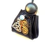 Amulette pendentif de Magie Elémentale de protection noir et noeud celtique