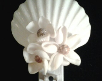 Seashell Night Light/Seashell Flower/Beach Decor/White Seashell Flower Night Light/Beach Lighting/Beach Decor Night Light/Coastal Decor