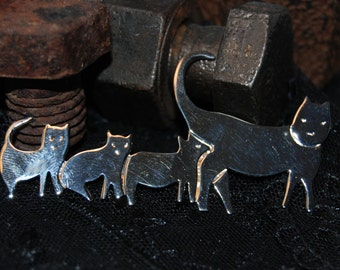 Mama Cat and Three Kittens Brooch in Vintage Sterling #BKC-KBRCH84