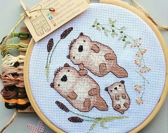 Otters holding hands - cross stitch pattern , embroidery pattern, family portrait, family tree, sea otter, moder, cute, embroidery hoop art