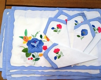 Gorgeous Vintage Handcrafted Placemat and Napkin Set, Vintage Embroidered Placemat Napkin Set, Vintage Napkin and Placemat