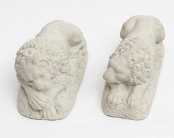 2 CONCRETE LION Statue Figure Cement HOME Garden Decor Small size (1 Pair)